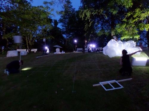Museumnacht - Kunstenaarscollectief The Holls bouwt een kunstwerk in de Hortus Botanicus