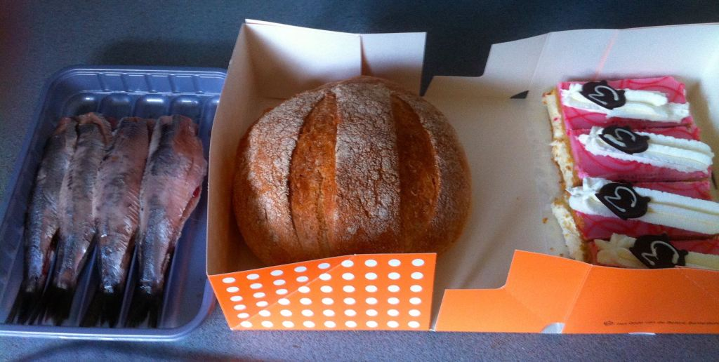 Haring, wittebrood en tompouces
